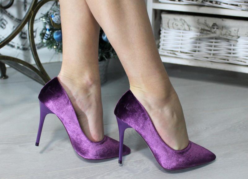 Атласные фиолетовые туфли-лодочки