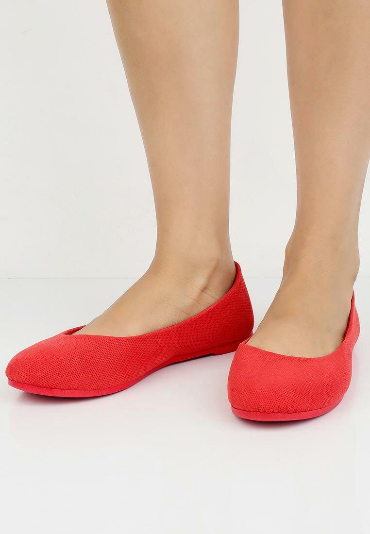 Балетки с закругленным носком