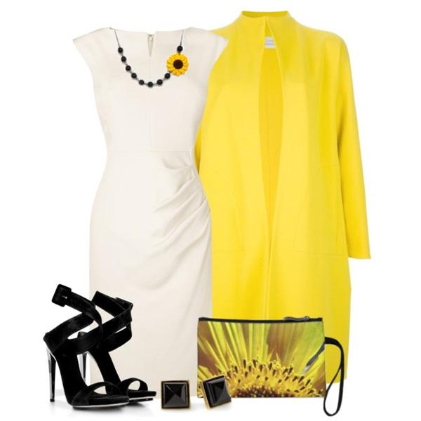 Черные босоножки с желтым пальто
