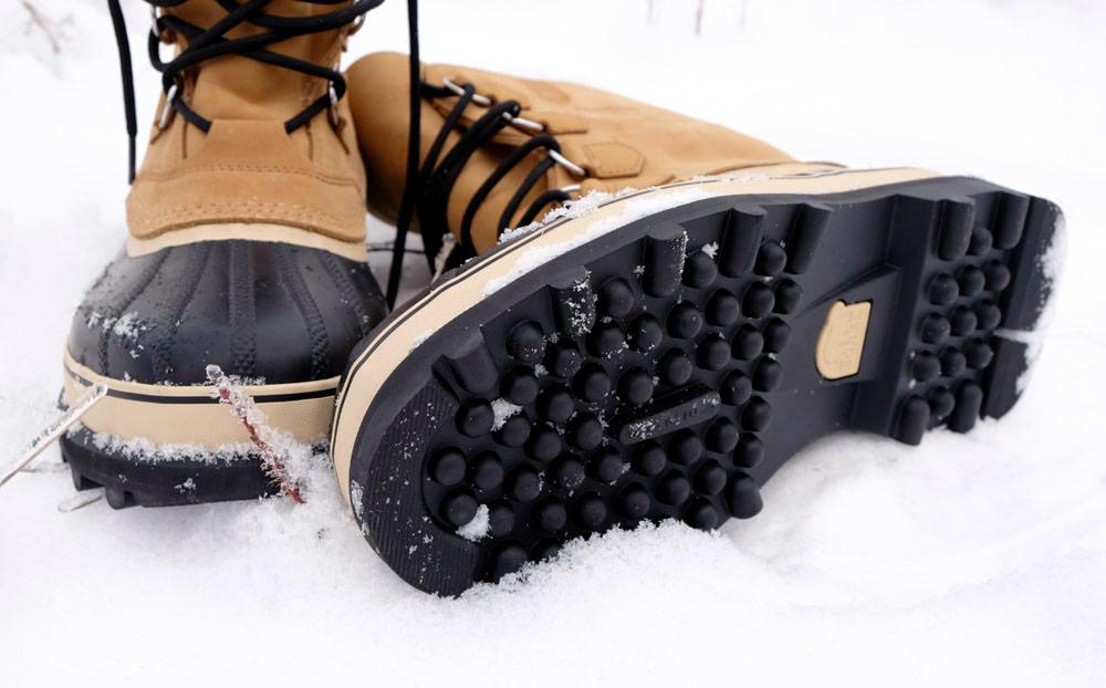Лучшие материалы и приспособления для нескользкой подошвы зимней обуви