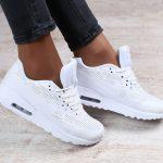 Как почистить белые кроссовки от грязи