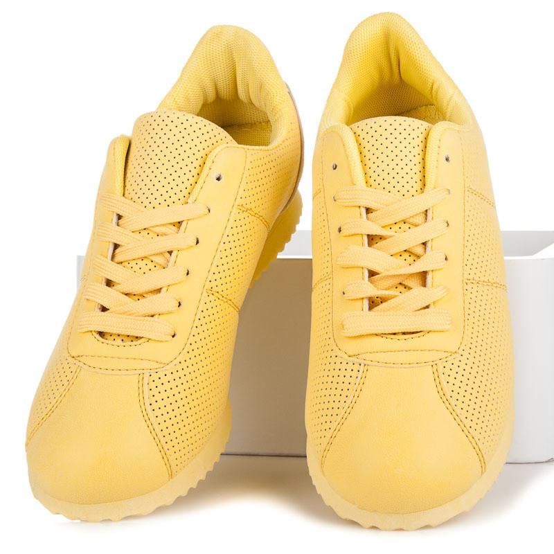 Модель кроссовок