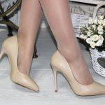 Модные женские туфли на каблуке из кожи и замши