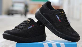 Причины популярности черных кроссовок, стильные образы с ними