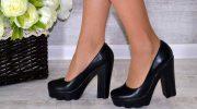 Стильные модели черных туфель, идеи ярких образов и основные ошибки